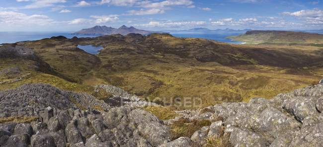 Vue panoramique depuis un Sgurr — Photo de stock