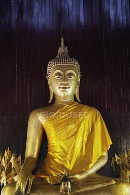 Buddhist Statue At Hor Kum — Stock Photo