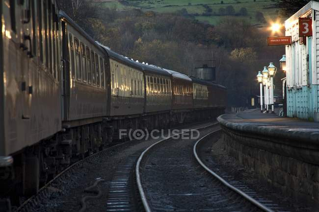 Train At Station At Dusk — Stock Photo