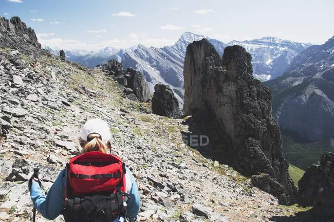 Woman Hiking On Trail — Stock Photo