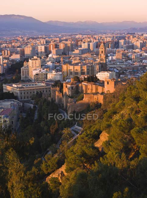 Ciudad y murallas de la Alcazaba - foto de stock