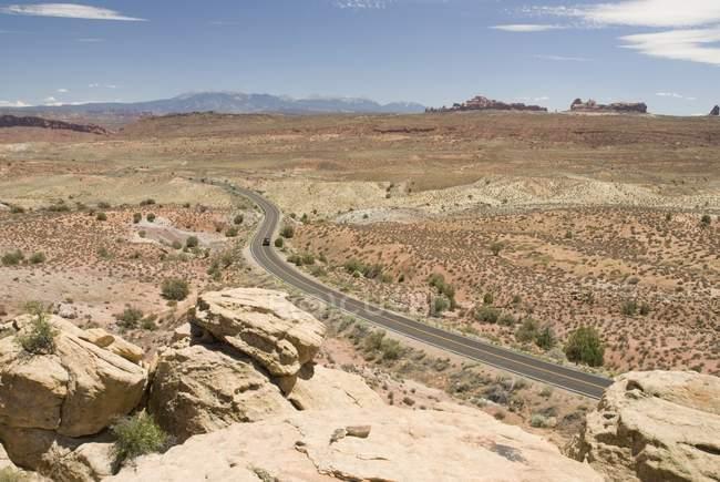 Road Going Towards Mountains — Stock Photo
