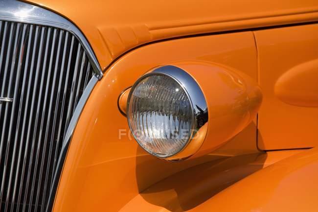 Naranja pintado de coches de época - foto de stock