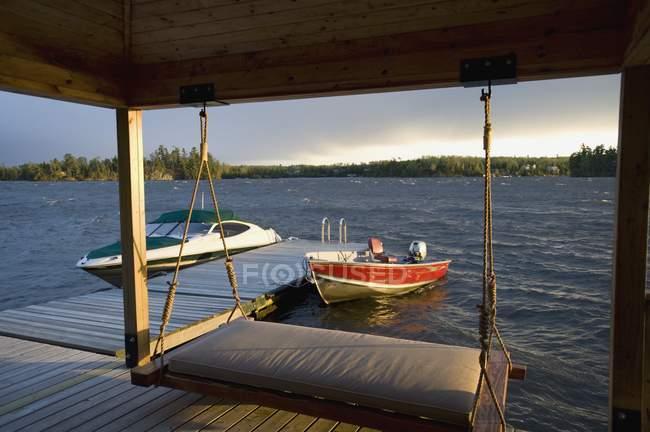 Barcos amarrados para ancorar — Fotografia de Stock
