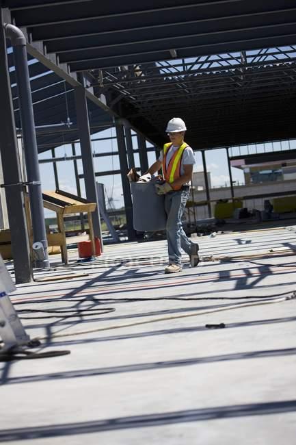 Trabalhador no estaleiro — Fotografia de Stock