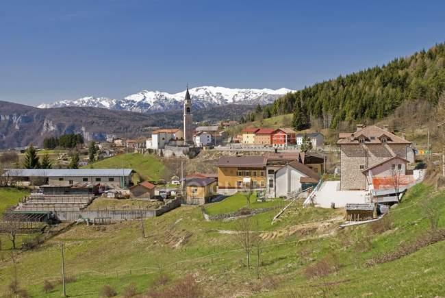 Деревня Рено в Альпах Италии — стоковое фото