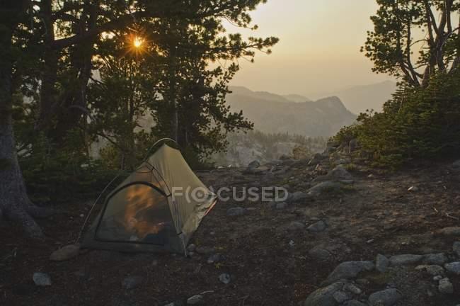 Emplacement de la tente sur le sommet du Cervin — Photo de stock