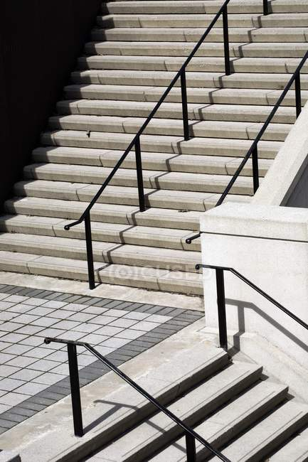 Treppen mit Stufen und Treppen — Stockfoto