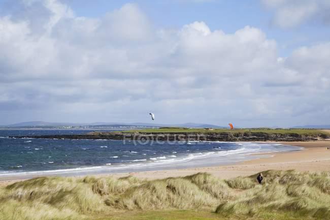Playa de la isla; Isla Achill - foto de stock