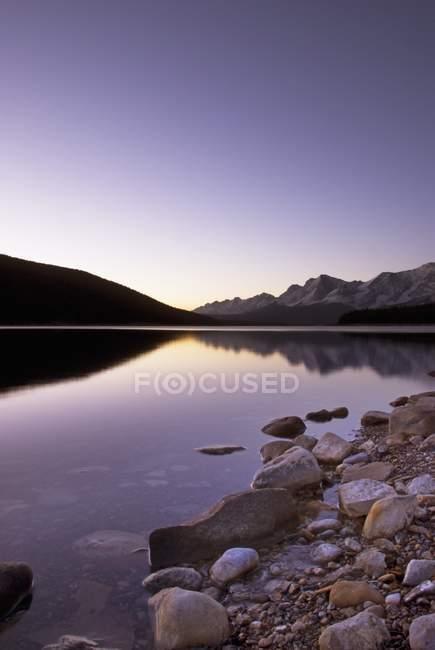 Верхнього озера при сходом сонця — стокове фото