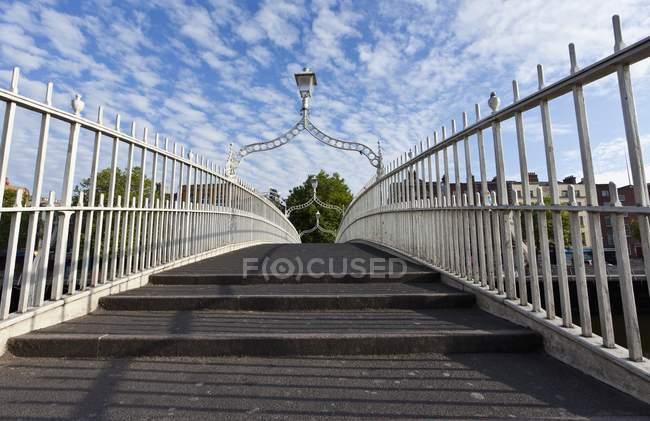 Bridge Spanning The River Liffey — Stock Photo
