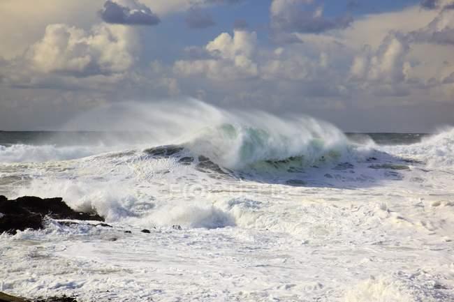 Waves Crashing At Cape Kiwanda — Stock Photo