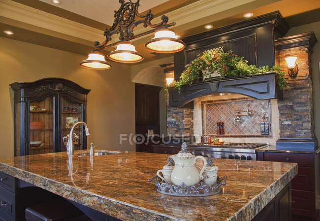 Granite Countertop In Kitchen — Stock Photo