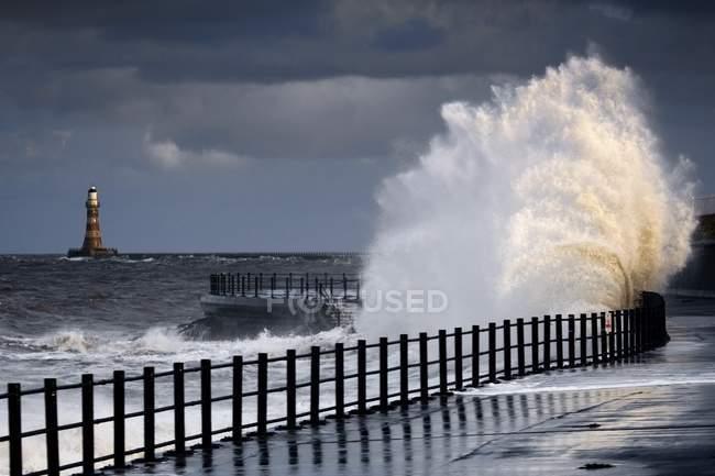 Ondas Bater, Sunderland — Fotografia de Stock
