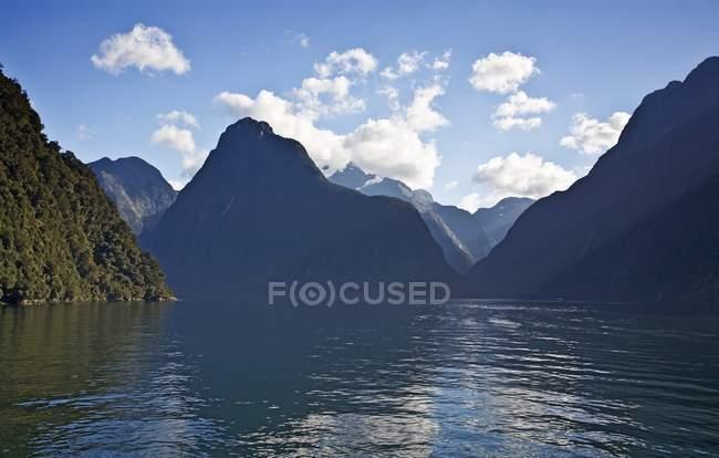 Milford sound, Новая Зеландия — стоковое фото