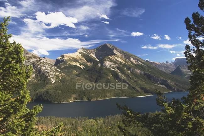 Национальный парк Уотертон-Лейкс — стоковое фото