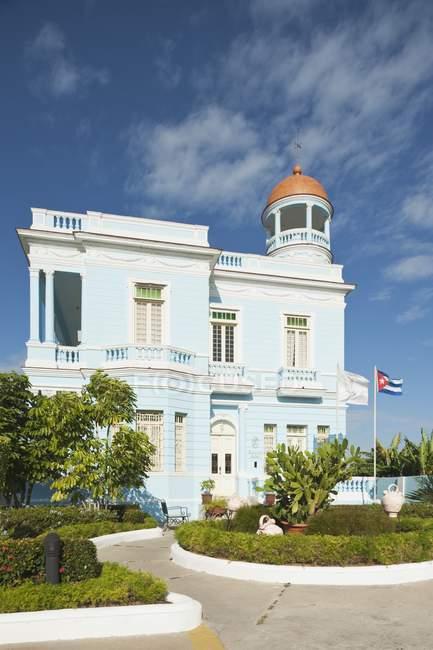 Palacio Azul en Cuba - foto de stock