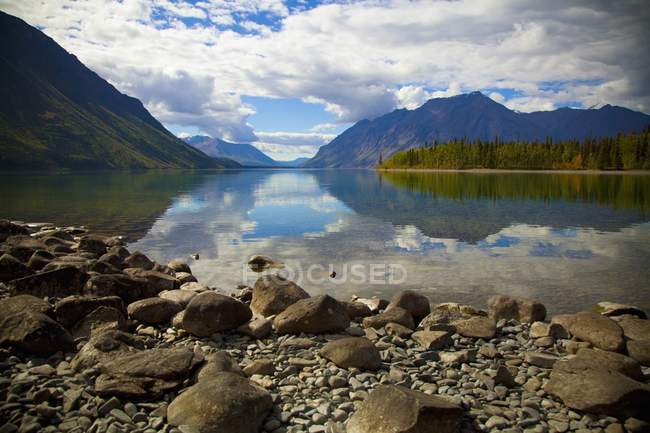 Kathleen lago no Parque Nacional de Kluane — Fotografia de Stock