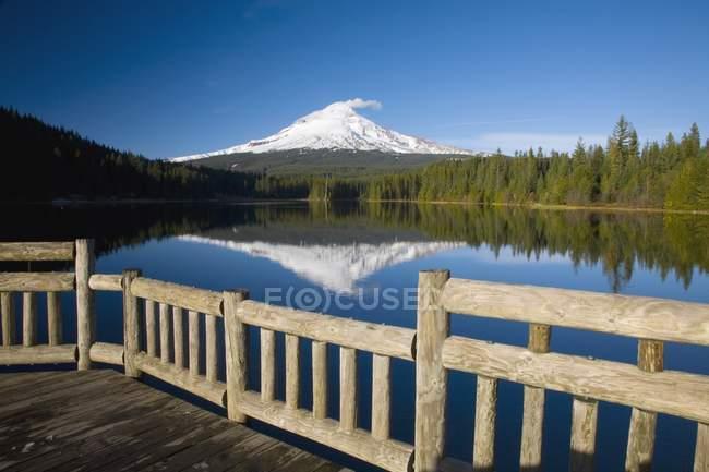 Lago Trillium, Oregon, EE.UU. - foto de stock