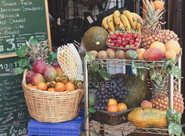 Fruits Display Outside Juice Shop — Stock Photo