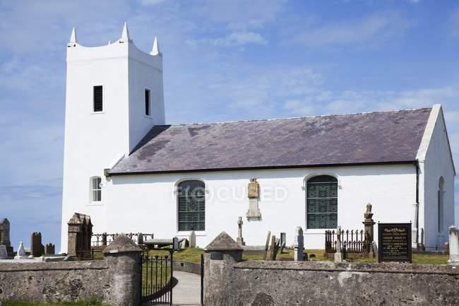 Iglesia parroquial de Ballintoy - foto de stock