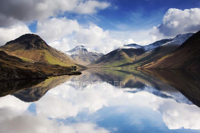 Montagne e lago, Inghilterra — Foto stock