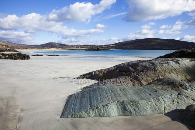 Plage de Derrynane le long de la côte — Photo de stock