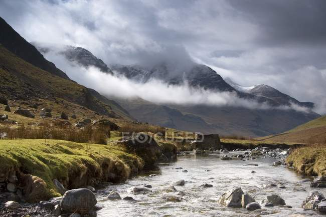 Mountains And River, Lake District — Stock Photo