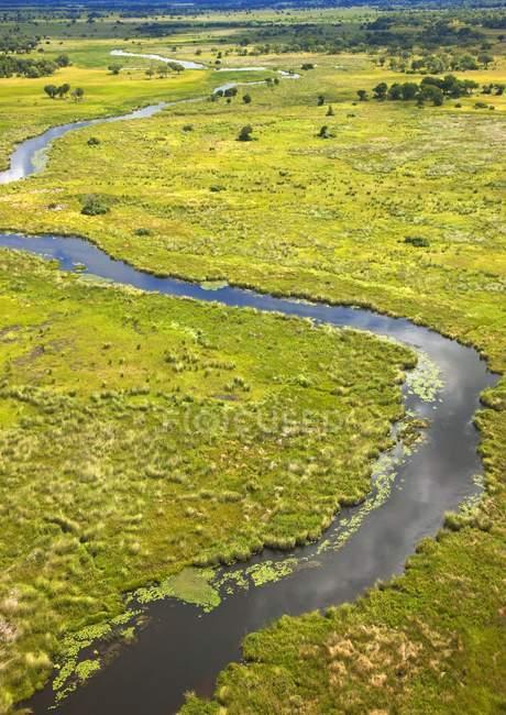 Acqua del fiume di avvolgimento — Foto stock