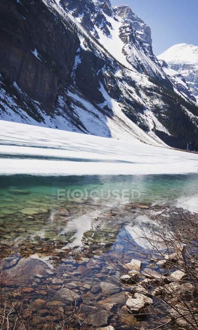 Lake Louise in Alberta felsigen Gebirge — Stockfoto