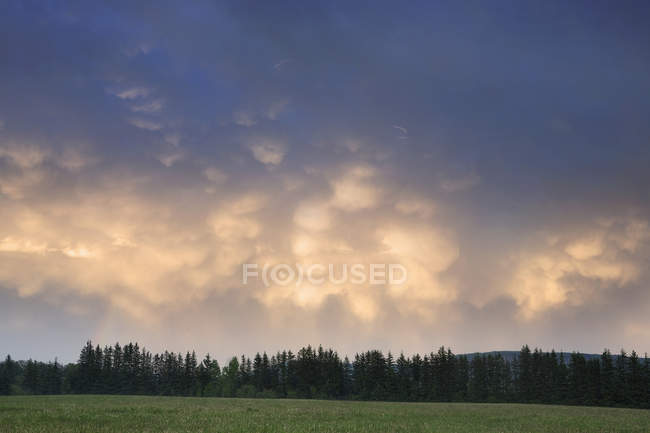 Clouds After A Storm At Sunset — Stock Photo