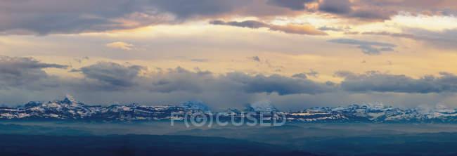 Blick auf die Alpen; Jura Schweiz — Stockfoto
