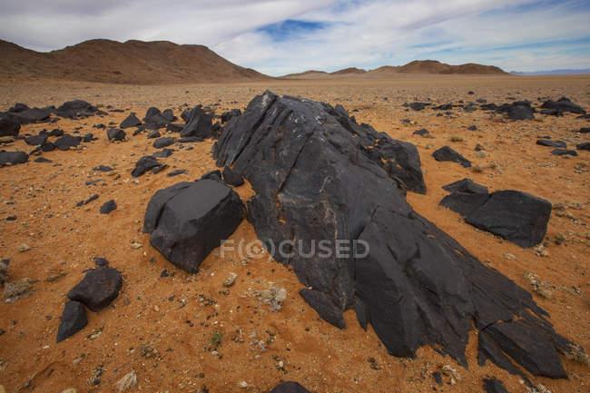Rocce di nero come la pece — Foto stock