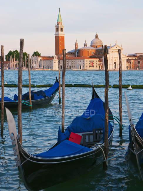Gondolas on the grand canal — Stock Photo