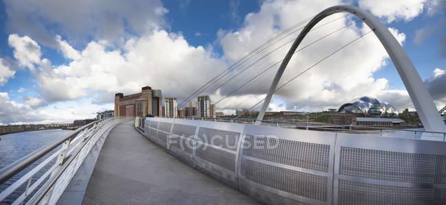 Millenium bridge, england — Stock Photo