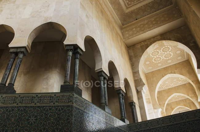 Фасад багато прикрашений на стінах — стокове фото