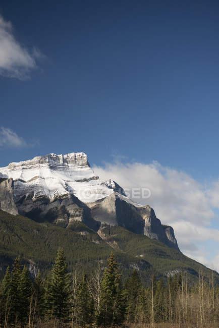 Aspre montagne rocciose canadesi, nel Parco nazionale di banff — Foto stock