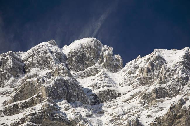 Снежный покров — стоковое фото
