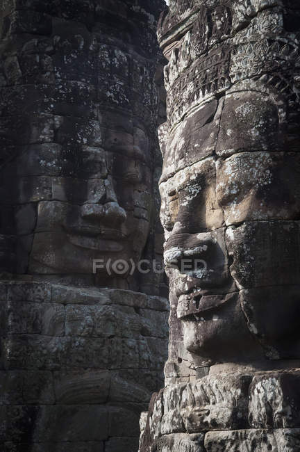 Sculture facciali su pareti — Foto stock