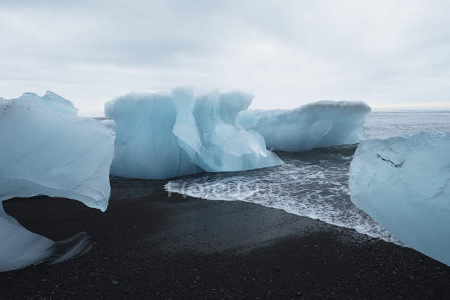 Vista della laguna glaciale — Foto stock