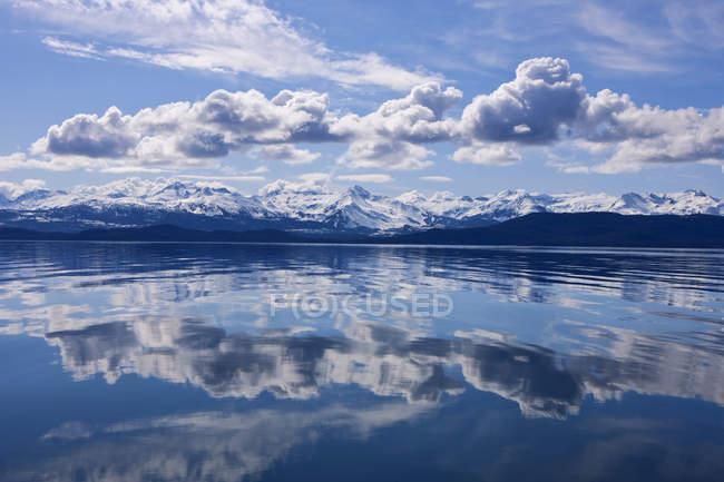 Malerischer Blick auf den See — Stockfoto