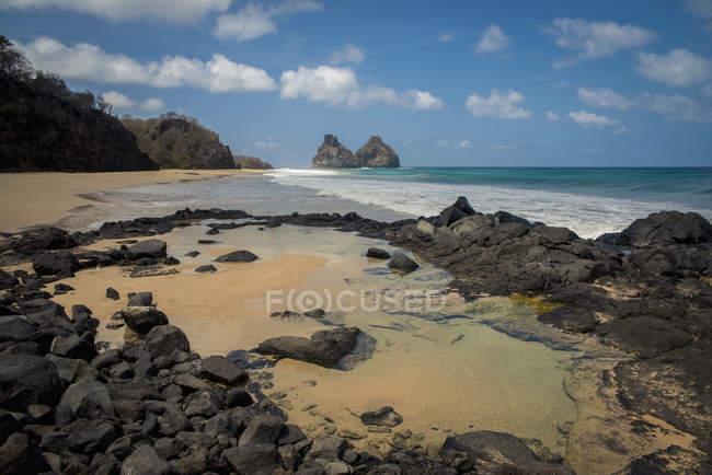 Morro Dos Irmaos From Praia Do Bode — Fotografia de Stock