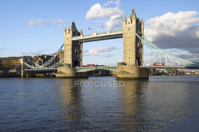 Тауерський міст на річці, Лондон — стокове фото
