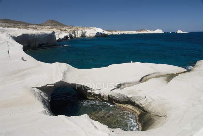 Басейн води і унікальний скельних утворень — стокове фото