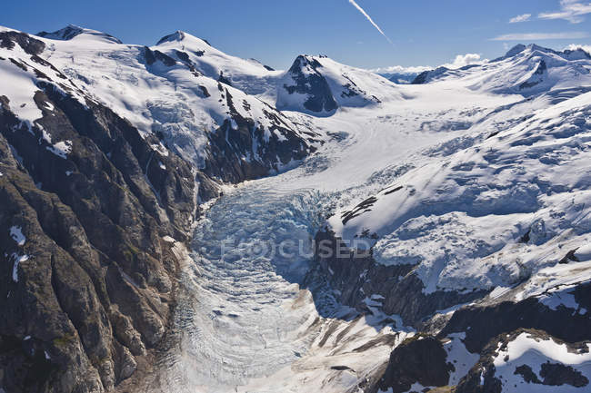 Glaciers suspendus et cascade de glace — Photo de stock