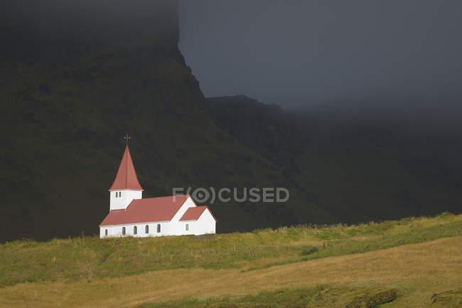 Храм на пагорбі, Ісландія — стокове фото