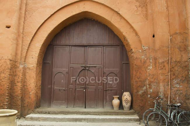 Wooden Door Of House — Stock Photo