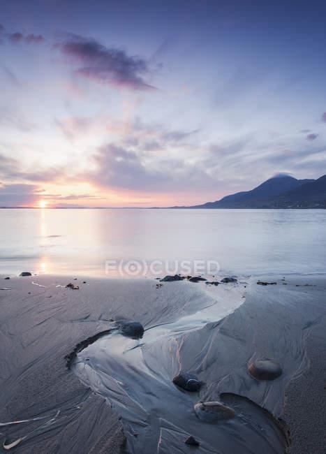 Coucher de soleil sur le lac Mountain — Photo de stock