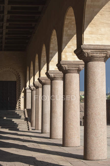 Columns Along Path — Stock Photo