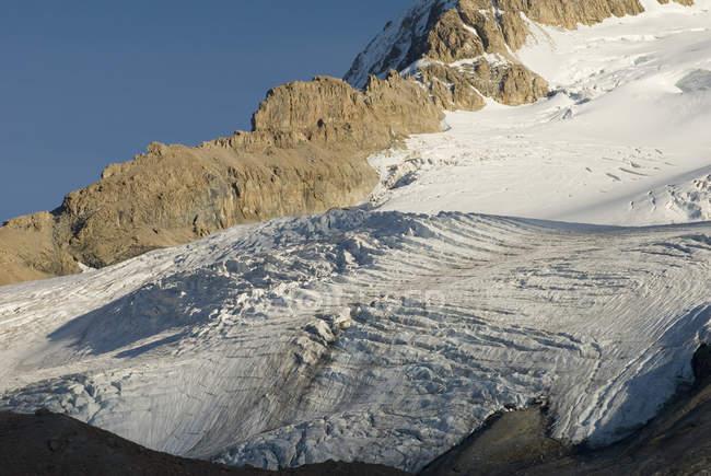 Великі льодовики на горі — стокове фото